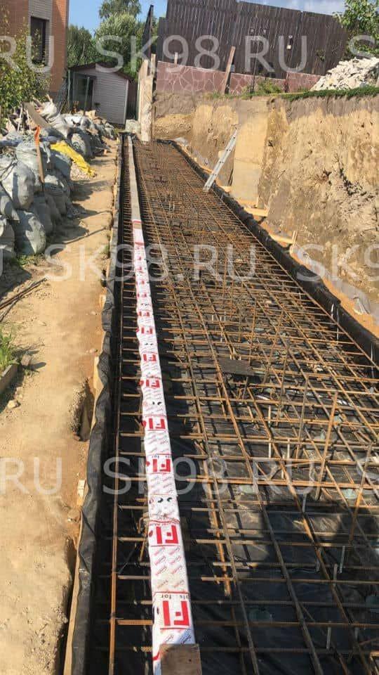 Армирование фундамента подпорной стенки