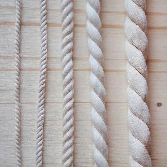 Отделка канатом оконного и дверного проема в деревянном доме