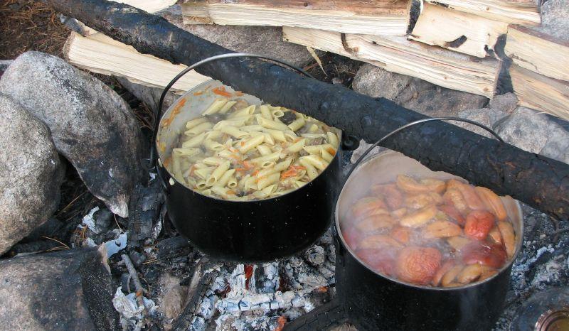 Обед в походе