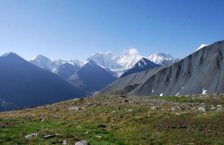 Пеший поход по Алтаю к подножию горы Белуха