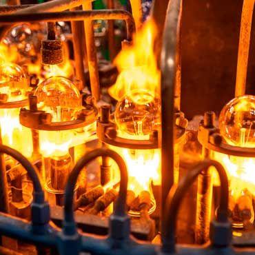 Томские лампы рождаются в пламени