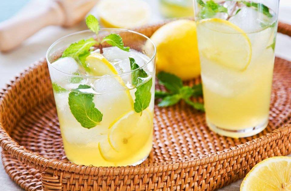 """летняя точка с лимонадом пивоварня """"Евпаторийское живое пиво"""""""