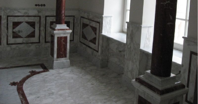 Облицовка стен и полов мрамором