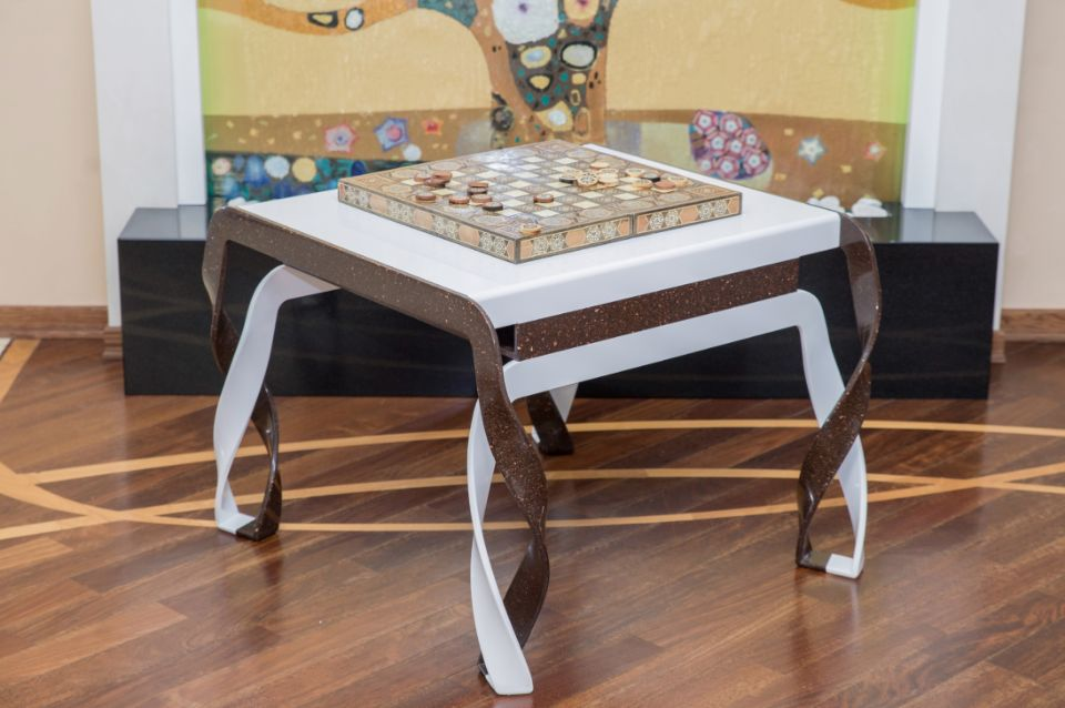 Стол для игры в нарды