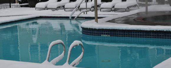 Бассейн в зимний сезон