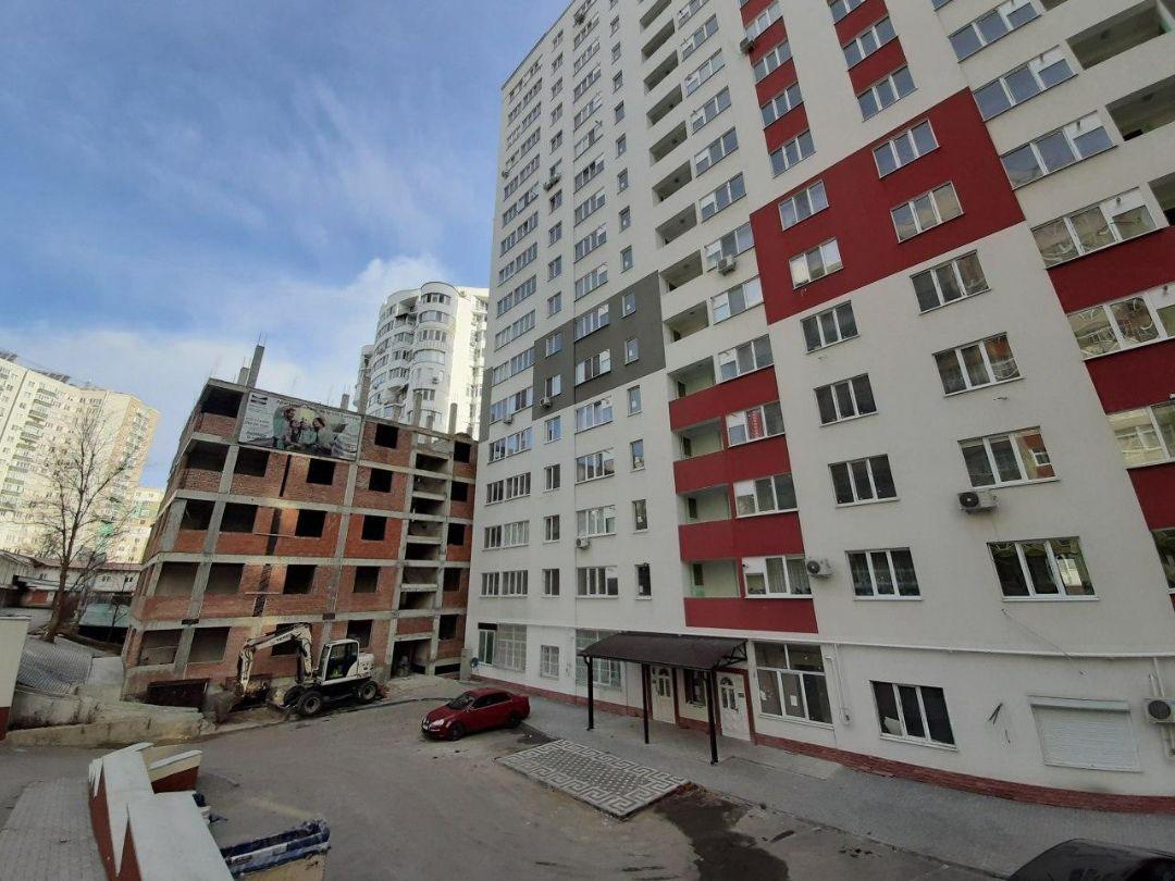Complexul Maria-Magdalena blocurile A și B de 17 nivele. Dat în exploatare.