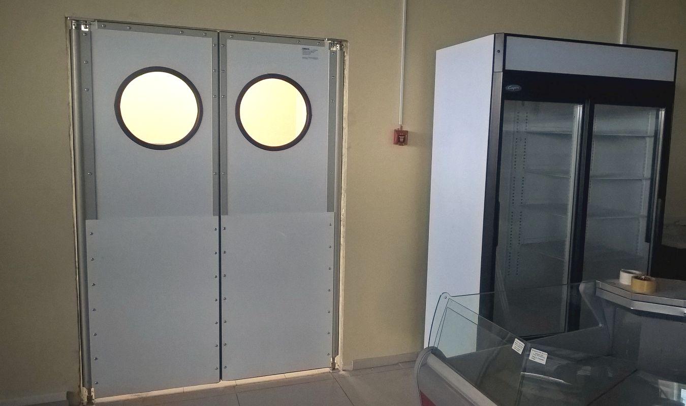 двери установленные в подготовленный проем