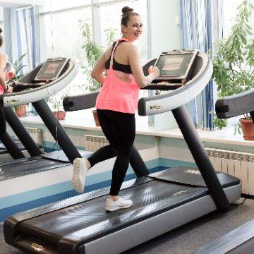 Тренировка на Беговой дорожке в Женском Фитнес центре Талия Клуб Оренбург