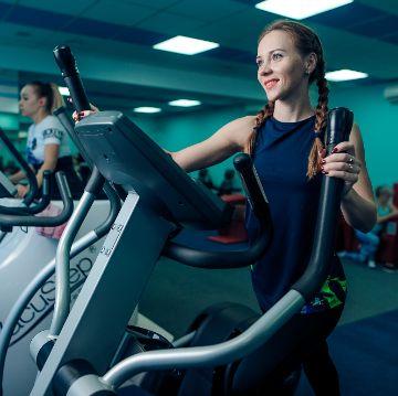 Тренировка на Эллиптическом тренажере в Женском Фитнес центре Талия Клуб Оренбург