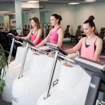 Тренировка на Вакуумном тренажере в Женском Фитнес центре Талия Клуб Оренбург