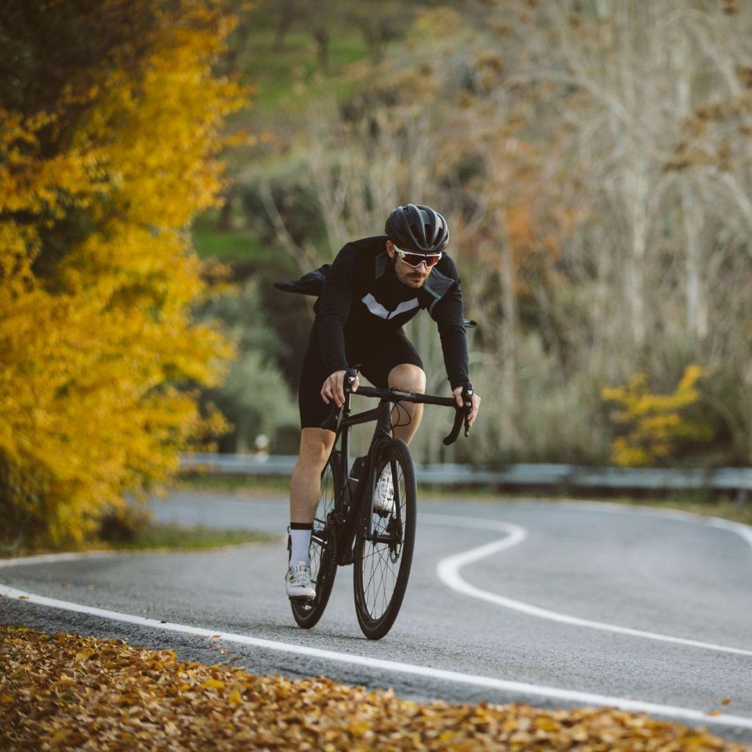 Велосипедная форма для шоссейных гонок и тренировок