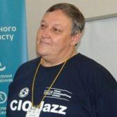 Ведучий - Володимир Бузмаков. Голова Активу Співтовариство ІТ-директорів України