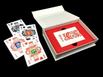 Печать игральных пластиковых карт с упаковкой