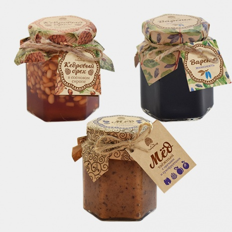 Мёд, варенья, кедровый орех в сосновом сиропе