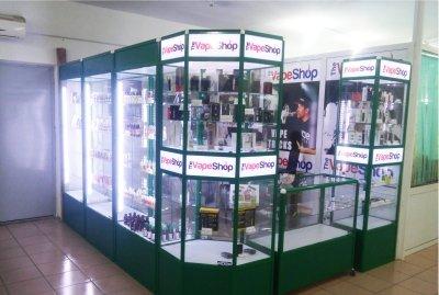 витрины для магазинов аксессуаров
