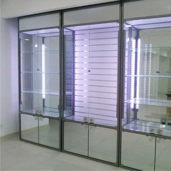 витрина стеклянная купить