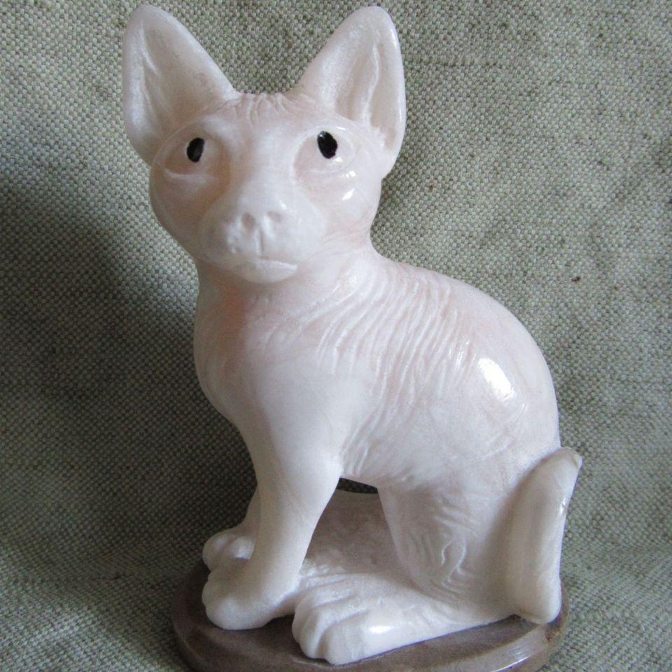 Кошка сфинкс камень ангидрит