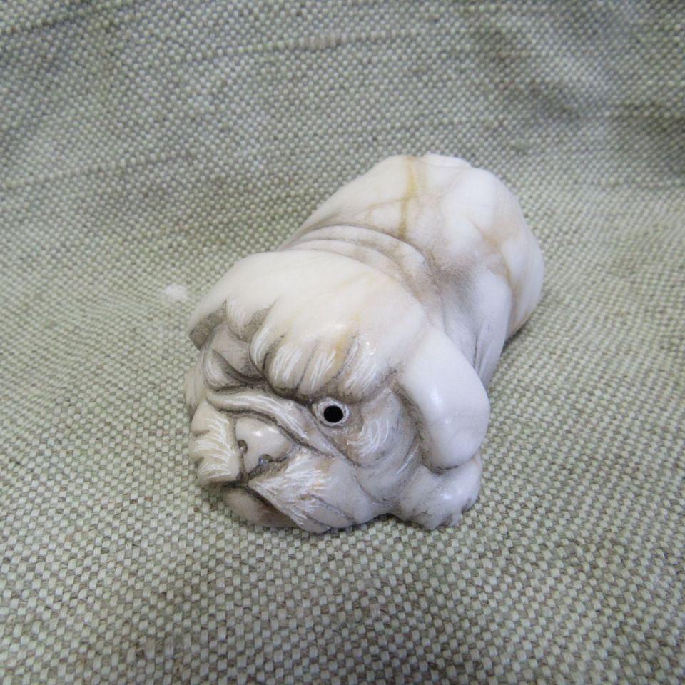 Скульптура Собачка мопсик камень ангидрит