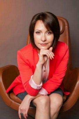 Илона Струкова