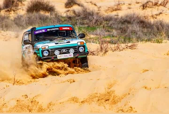 Niva 4x4 CNG Sport покоряет астраханские пески.