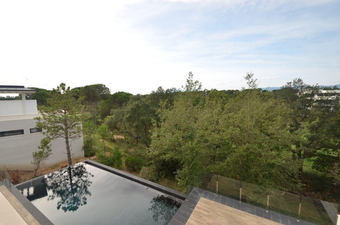 Вид на гольф-полеВилла Ла Сельва 7 гольф-клуб PGA Catalunya Resort, Каталония - Продажа - Недвижимость Испании