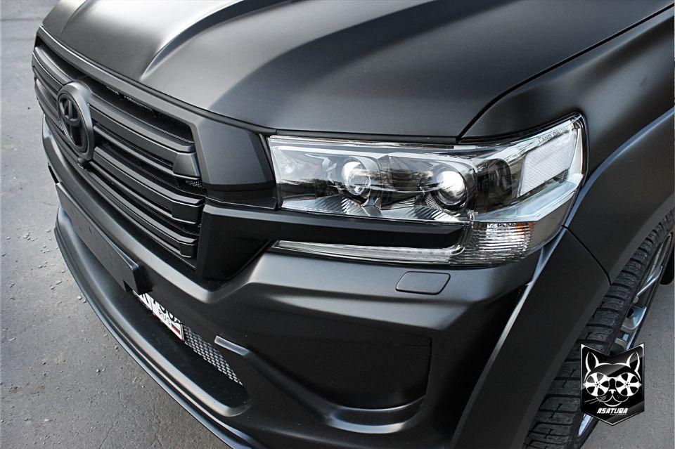 Toyota Land Cruiser 200 - Антихром решетки радиатора