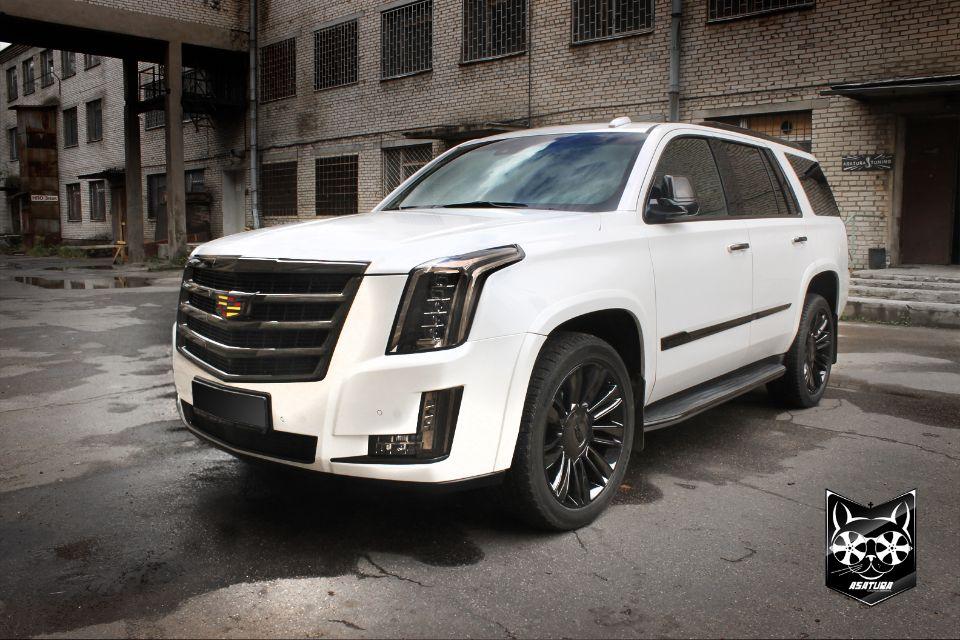 Cadillac Escalade - Антихром с последующей иммерсионной печатью в 3D соты, покраска дисков