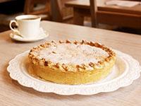 Пирог сметанный с персиком