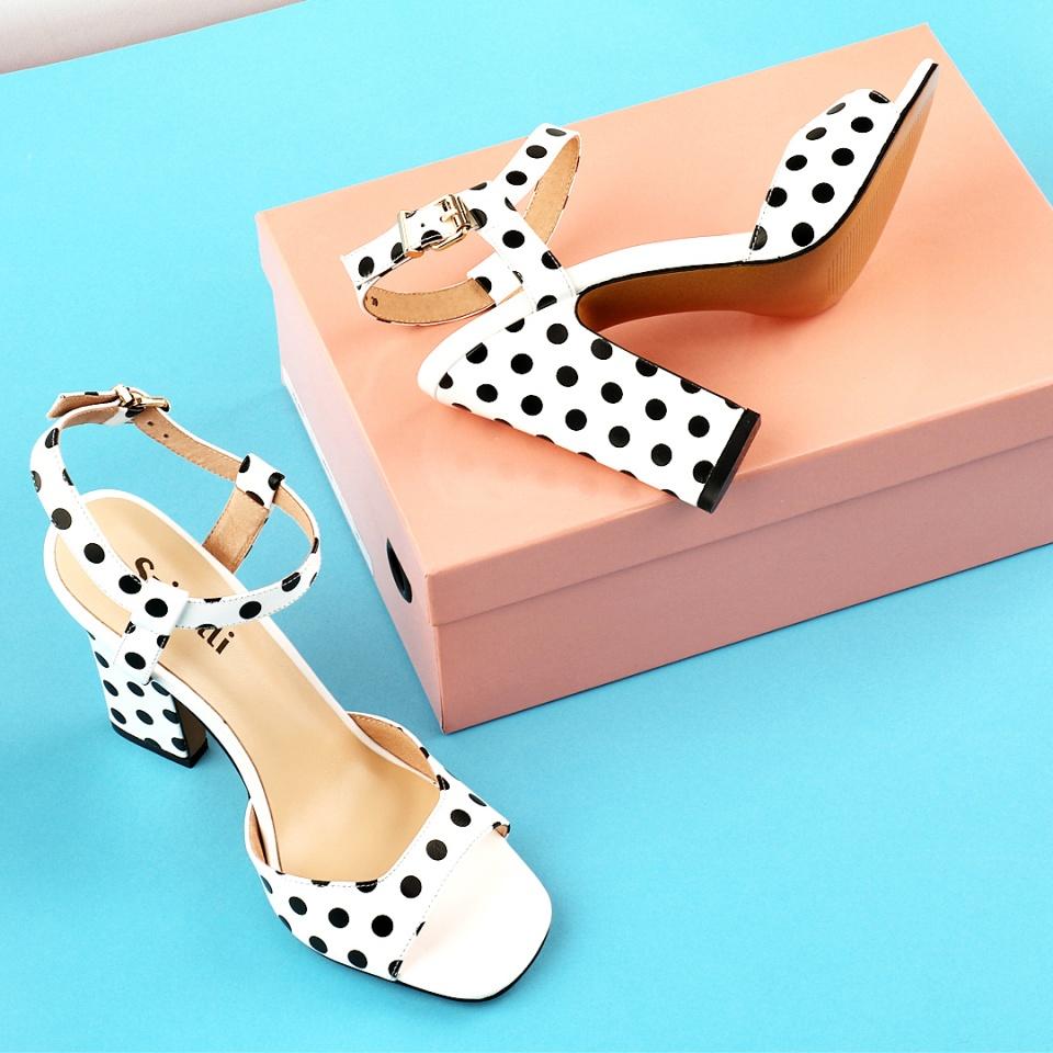 предметная фотосъемка обуви