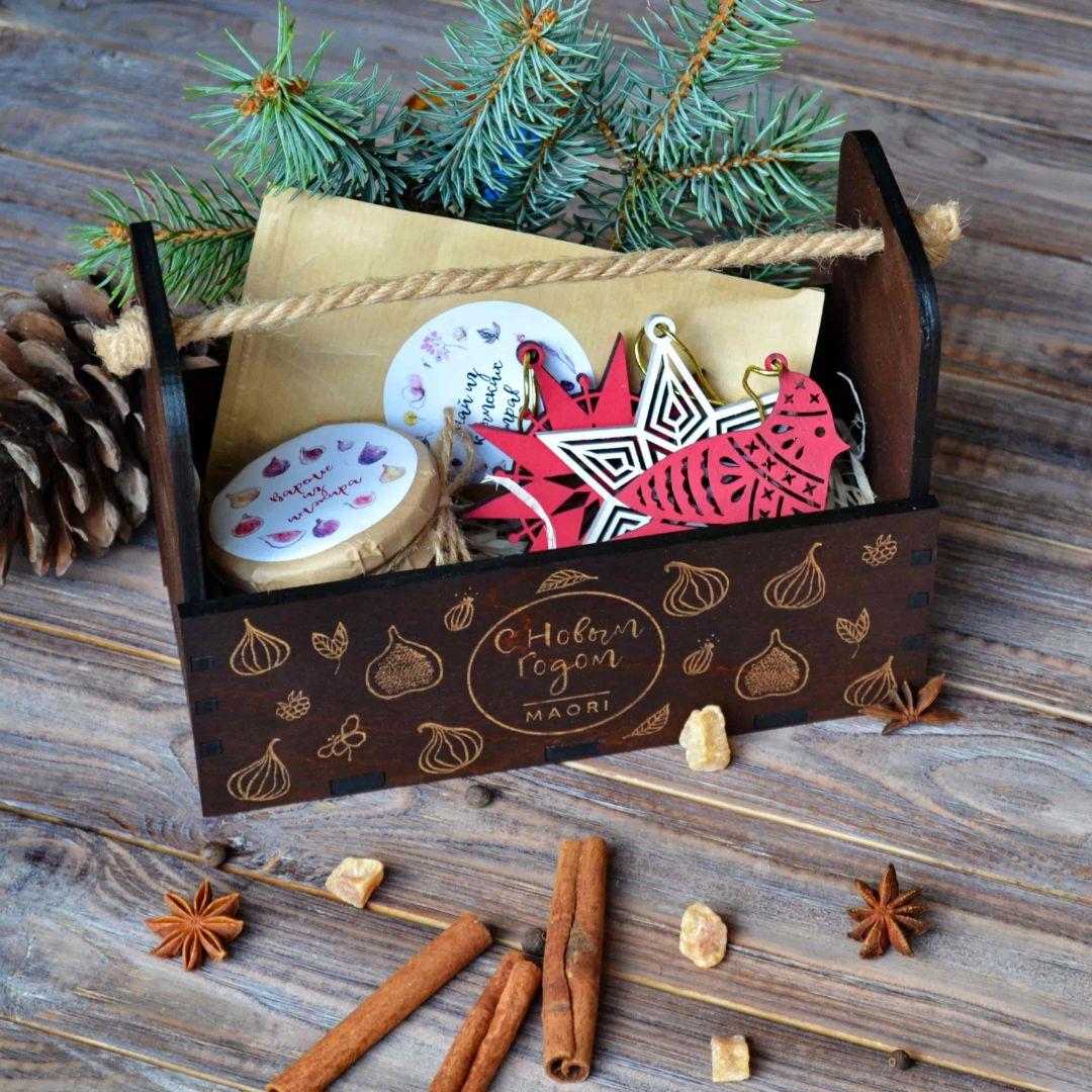 """Новогодний подарочный набор с вареньем и чаем""""Тёплая зима"""""""