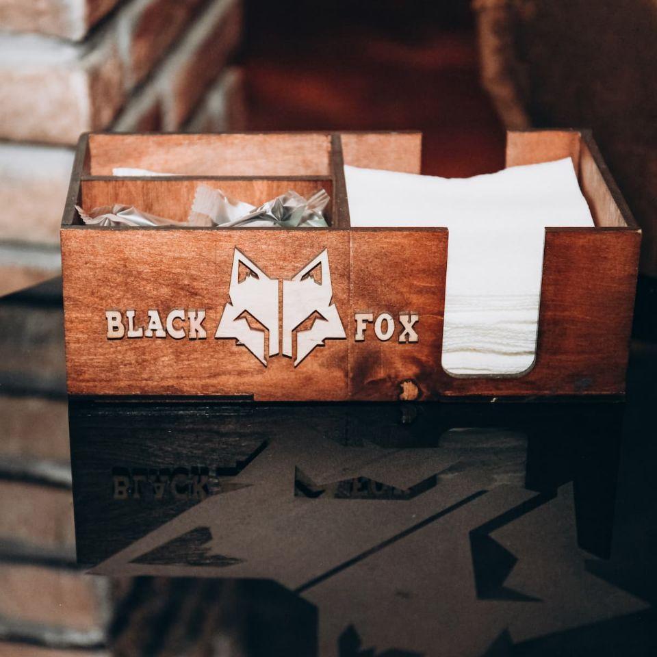 Органайзер из дерева. Black Fox Lounge