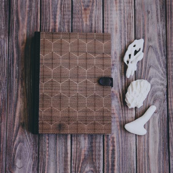 Новогодние подарки: скетчбук для творчества из дерева Forest