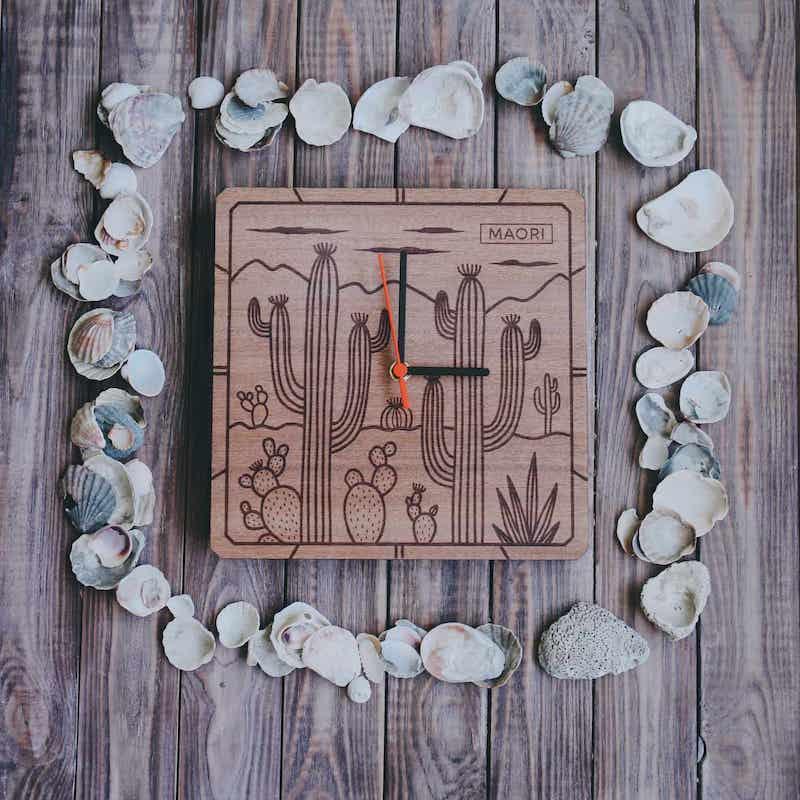 """Настенные часы из дерева """"Cactus"""""""