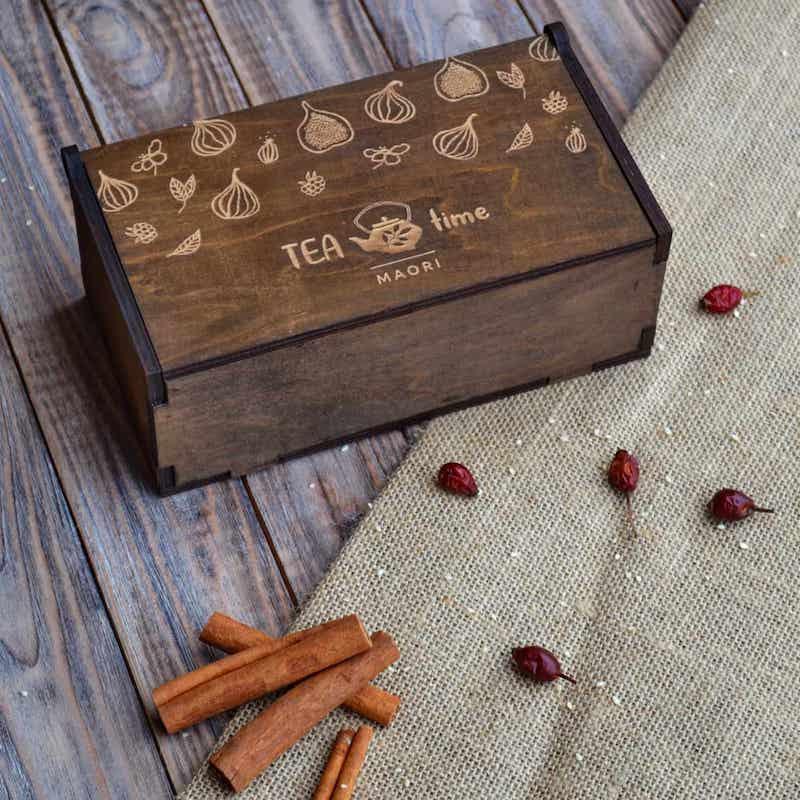 Корпоративные подарки: подарочный набор с чаем и вареньем