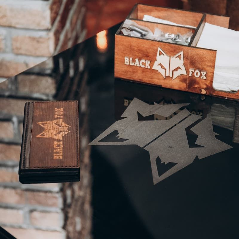 Счетница из дерева. Black Fox Lounge