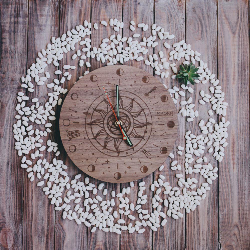 Настенные часы Galaxy из дерева