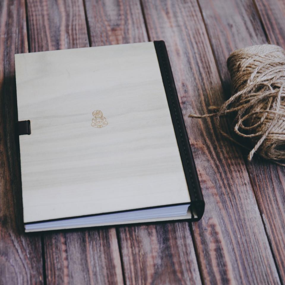 Ежедневник Aim из дерева и кожи
