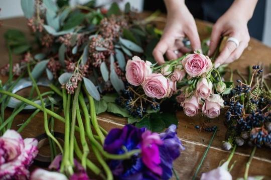 Как выбрать свежие розы? Как сохранить розы дома Flowerschool.online