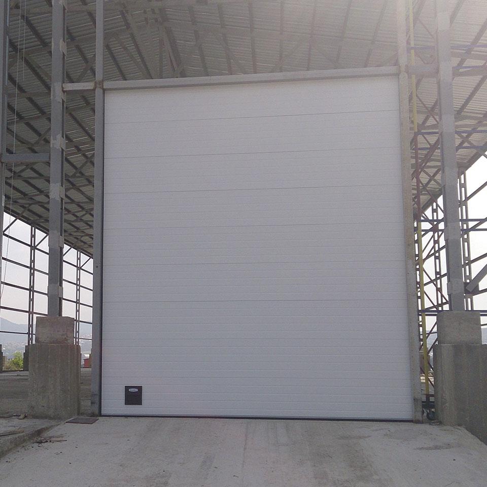 Воротные системы - промышленные секционные ворота