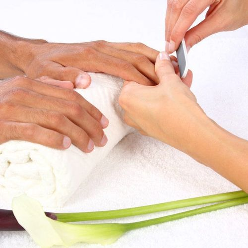 Spa manicure by La Sultane De Saba