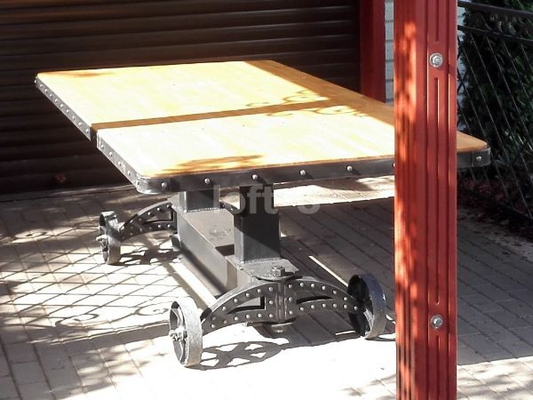 большой красивый стол на колесах trolley 1