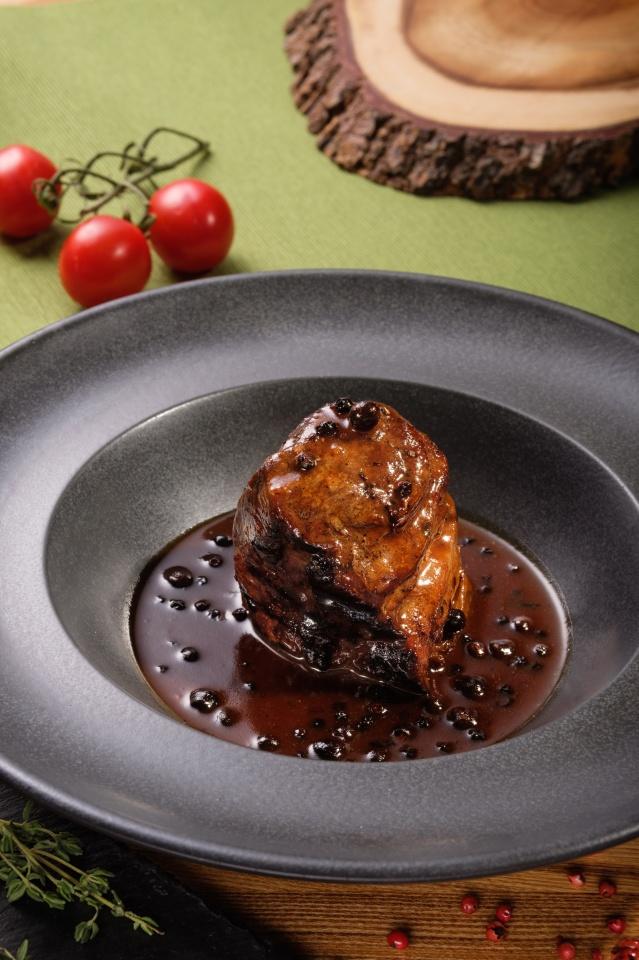 Телячий филей в винно-перечном соусе