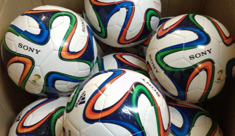 Брендирование футбольных мячей|UlrihMedia