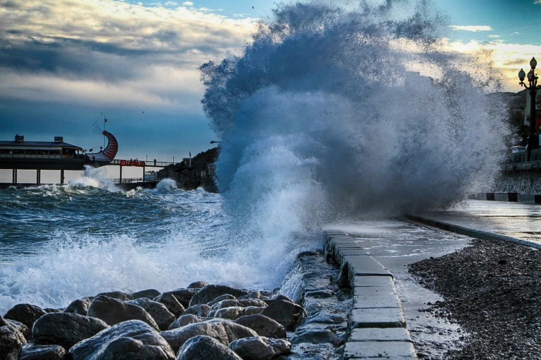 шторм Ялта Крым
