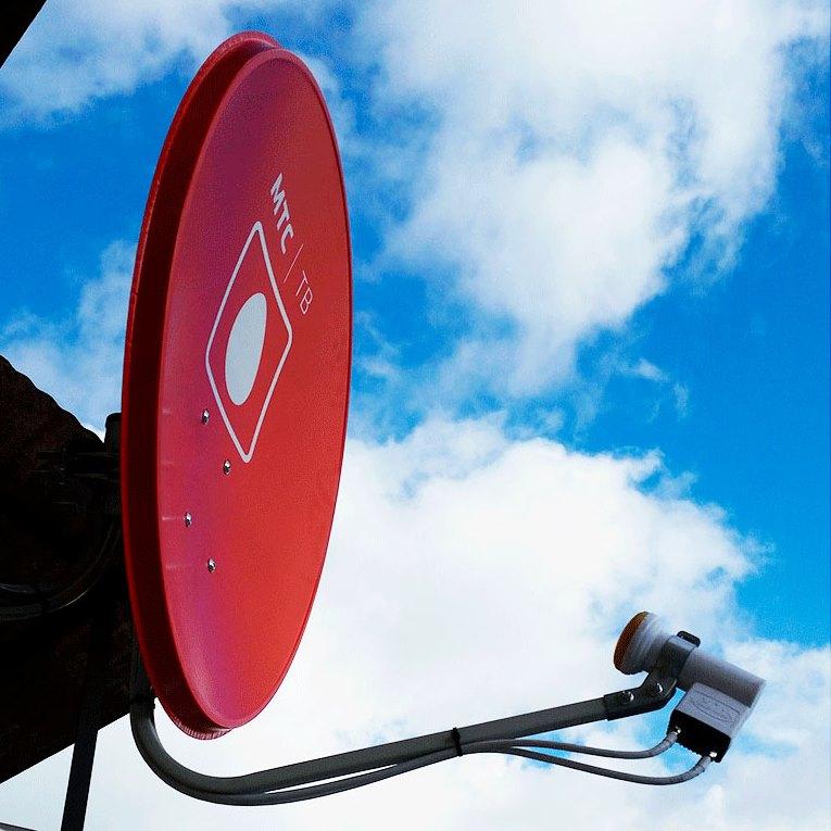 картинка Установка антенны МТС ТВ на плоской крыше от магазина МТС ТВ