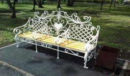Кованые скамейки, кованые урны