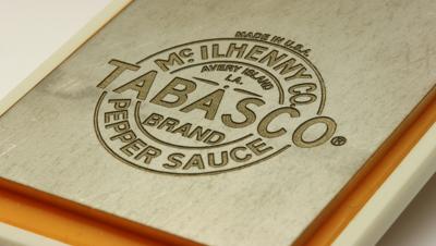 Пример обработки на лазерном оборудовании - нанесение логотипов