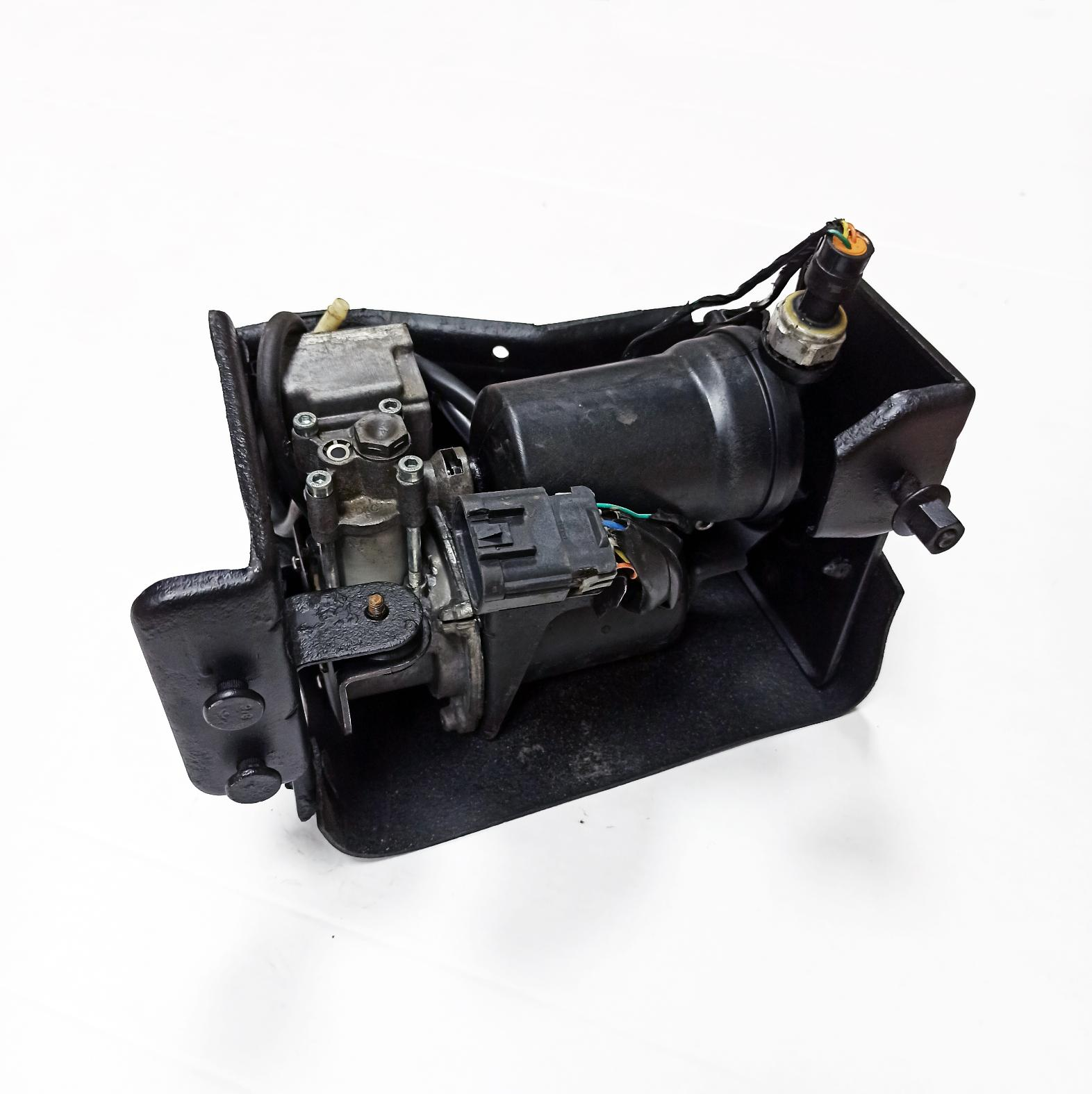 картинка Оригинальный восстановленный компрессор пневмоподвески General Motors для Cadillac Escalade и Chevrolet Tahoe (15254590, 20930288, 22941806) от магазина пневмоподвески ПневмоМаркет