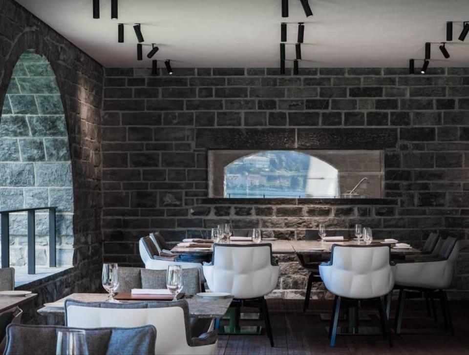 Интерьер ресторана B&B Italia