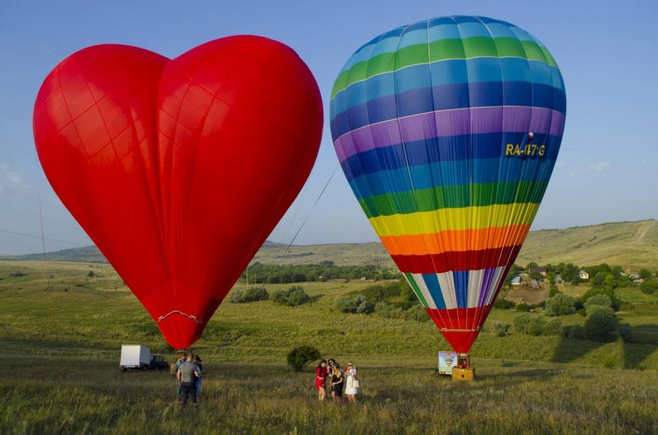Воздушные шары с корзиной сердце Ставрополь Ставропольский край